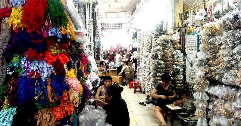 Phụ kiện thời trang giá sỉ tại chợ Đại Quang Minh