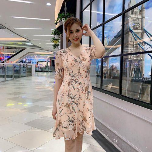 Đầm xòe cổ V nhấn ngực tay lỡ hoa tiết hoa đẹp tinh tế DKT-200