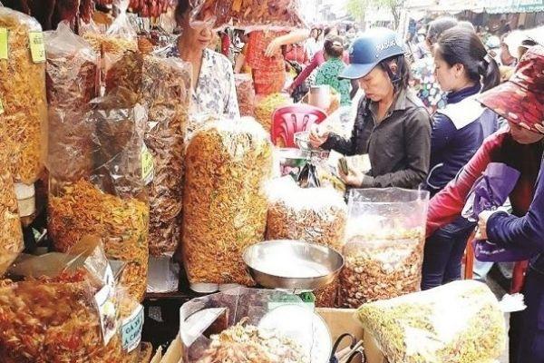 Tìm nguồn từ các chợ sỉ đồ ăn vặt